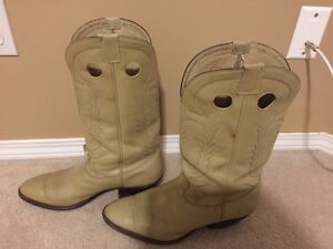 Cream-coloured Don Quixote Boots, size 11D