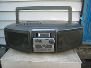 Panasonic portable boombox CD Cassette radio AM-FM