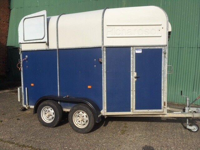 Richardson lightweight horse trailer