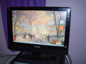 PHILIPS 19 INCH LCD TV/COMPUTER MONITOR