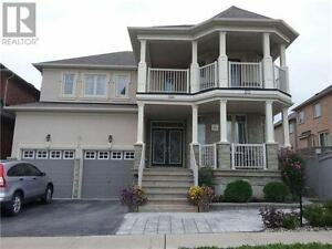 18 Milos Rd Richmond Hill Ontario Great house for sale!