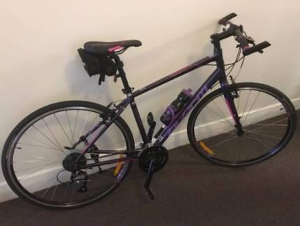 Womens Avanti Giro Bike, Like new condition