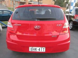 2011 Hyundai i30 FD MY11 SX 1.6 CRDi Red 5 Speed Manual Hatchback Greenacre Bankstown Area Preview
