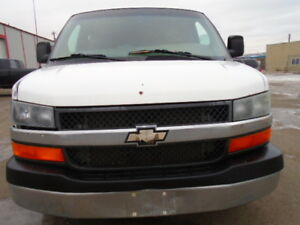 2003 Chevrolet Express G3500HD-WITH CAPET CLEANING MACHINE