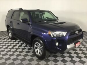 2016 Toyota 4Runner SR5 w/HEATED LEATHER, MOONROOF, NAVIGATION,