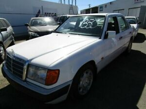 1993 Mercedes-Benz 220E White 4 Speed Automatic Sedan Moorooka Brisbane South West Preview