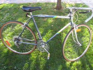 Supercycle 12 speed road bike - excellent condition