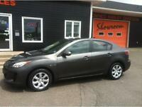 2013 Mazda 3 GS Sedan - 5 speed - ONLY 67000 Kms