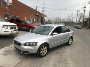 2005 VOLVO S40- automatic- CUIR-MAGS- full equiper-   1995$