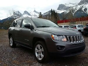 2011 Jeep Compass North 4X4 LOW KMS!