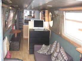 Lovely 1 bed narrowboat for rent in Kew Bridge -stunning views