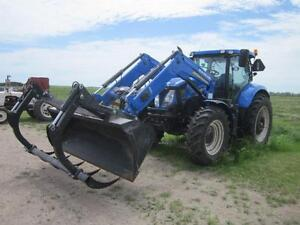 2013 NEW HOLLAND T7.200 TRACTOR w/ LOADER & GRAPPLE