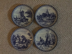 4 large matching Delft Blue decor plates