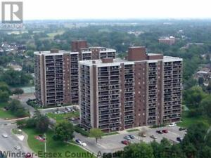 Corner unit at Westchester at the Lake -Open house December 2nd!