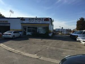 BRAKES & OIL CHANGES *SPECIALS*