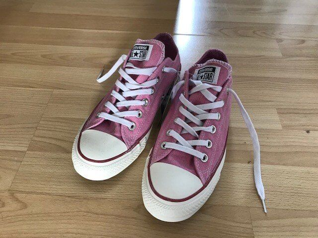 8da90bbf74d1 where to buy womens light pink converse trainers never worn size 6 0e75a  7ea21
