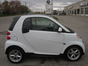 PRISTINE CONDITION ! LOW MILAGE ! 2013 SMART FOR TWO