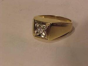 #3117-NICE 10K YELLOW/WHITE GOLD MANS DIAMOND SOLITAIRE-SIZE 10 1/4-FREE SHIPPING-ACCEPT EBANK TRANSFER ONLY