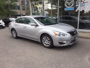 2013 Nissan Altima 2.5 LOW KMS*BLUETOOTH*AIR CONDITOONIING