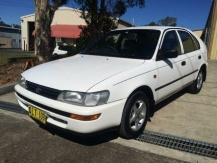 1995 Toyota Corolla AE101R CSi White 4 Speed Automatic Sedan Macquarie Hills Lake Macquarie Area Preview