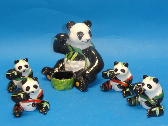 VINTAGE LYNN CHASE MOTHER PANDA & 4 BABY PANDA FIGURINE SET 1988