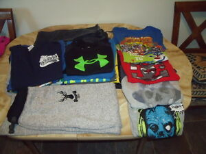 BOYS ASSORTED T-SHIRTS AND WINTER JACKET