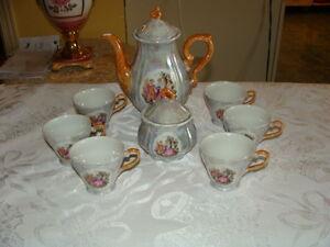 Très beau ensemble à thé en porcelaine perlée, Japon 8 mcx
