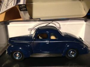 1:18 diecast 1939 Ford Deluxe Coupe Maisto