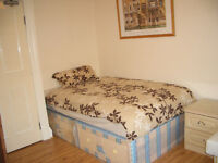 BEDSIT APARTMENT IN BAKER STREET *** STUDENTS WELCOME ***