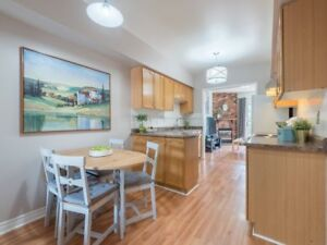 3 bedroom freehold house in Mississuaga in streetsville area