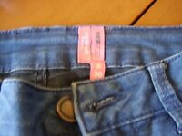 YESYES SUPERSOFT HIPSTER SKINNY JEANS SIZE 8 NEW WITHOUT TAGS