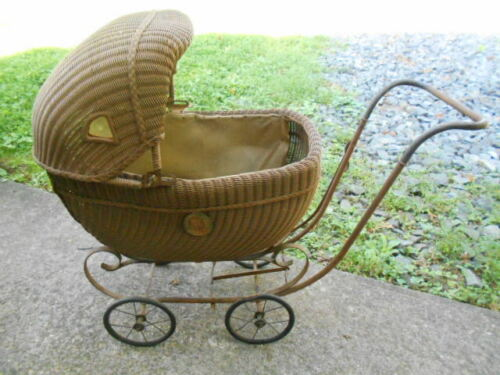 Childs Doll Carriage w/Pictured Shirley Temple Medallions/PICKUP ONLY
