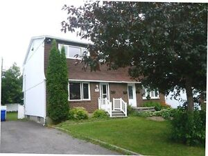 Semi-detached for rent / a louer in Aylmer Gatineau