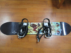 Burton White collection 128 quality snowboard West Island Greater Montréal image 1