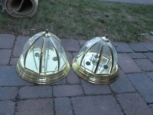 FREE: TWO CEILING LIGHT - GREAT CONDITION.