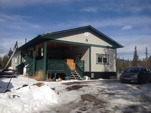 2 bedroom 20mins south of Whitehorse