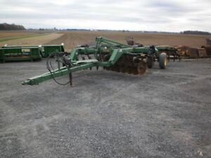 John Deere 510 5 Shank Disc Ripper , Excellent Condition !!
