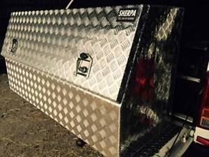 LARGE 1400(L) X 500 X 700(H)CHECKER PLATE TOOL BOX WITH SHELF NEW Willow Vale Gold Coast North Preview