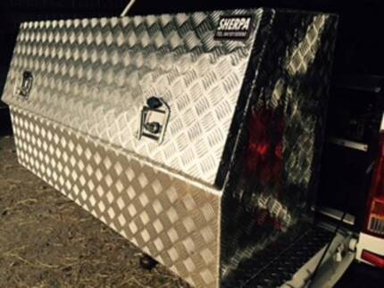 LARGE 2MM CHECKER PLATE TOOL BOX WITH SHELF Willow Vale Gold Coast North Preview