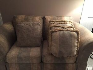 Couches / sofa, loveseat,chair and ottoman (4 piece set) Gatineau Ottawa / Gatineau Area image 4