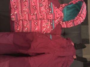 Mini Ungava girl's snow suit 4T. AVAILABLE