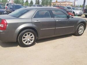 2009 Chrysler 300 Limited 4dr RWD Sedan (MOVING SALE)