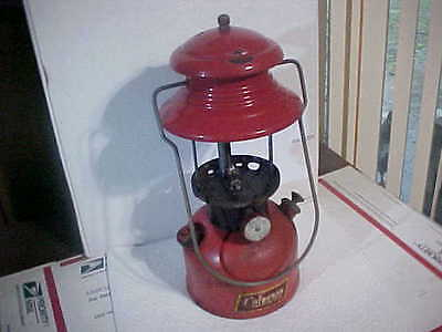 COLEMAN LANTERN 200A BLACK COLLAR FOR PARTS OR RESTORE DATED 12-1952 NO GLOBE