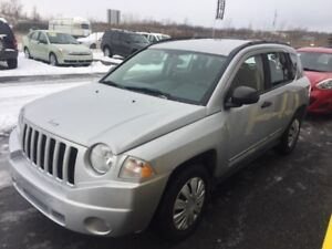 2009 Jeep Compass 4x4 manuelle 5 vit. air clim. clean méc. A-1