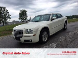2008/Chrysler 300..Safety $3999+hst..