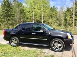 2007 Cadillac Escalade EXT with Extras & Low KM's!!