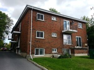 TWO BEDROOM CLOSE TO DOWNTOWN KINGSTON - 391-7 Division St
