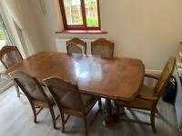 Dining table (extendable) and 6 chairs