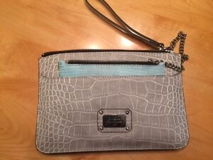 NEW - women's GUESS small purse/clutch