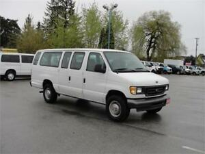 2003 FORD E-350 EXTENDED PASSENGER VAN *LOW LOW KM*